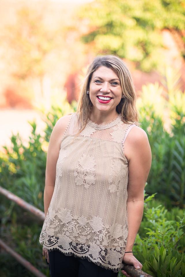 Lisa Eisenberger : Office Manager